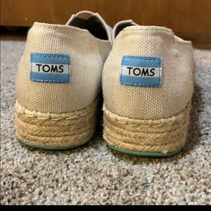 Re-posh Toms barley used looks new no stains